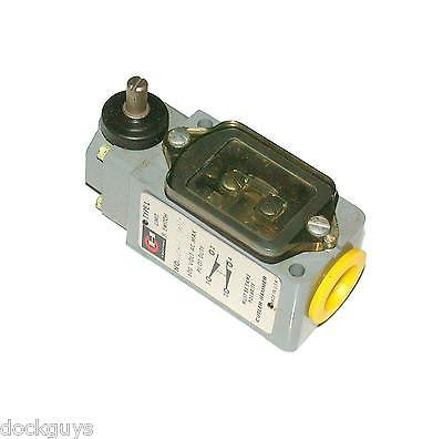 NEW CUTLER-HAMMER OIL TIGHT LIMIT SWITCH 10 AMP W/O LEVER MODEL 10316H207
