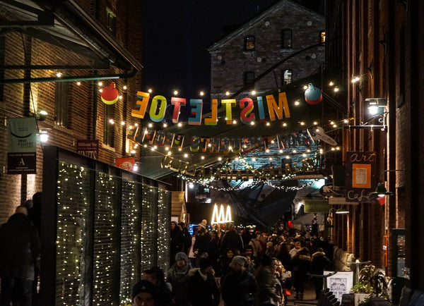 Christmas Market TO | Canalien & Co. | Canada | Travel | Clothing