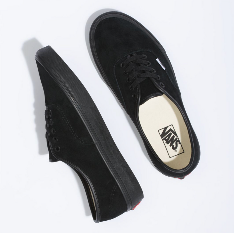 Vans Authentic (Pig Suede) Black/Black