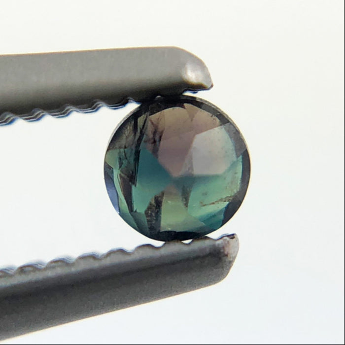Natural colour change Alexanderite round brilliant cut 0.10 carat