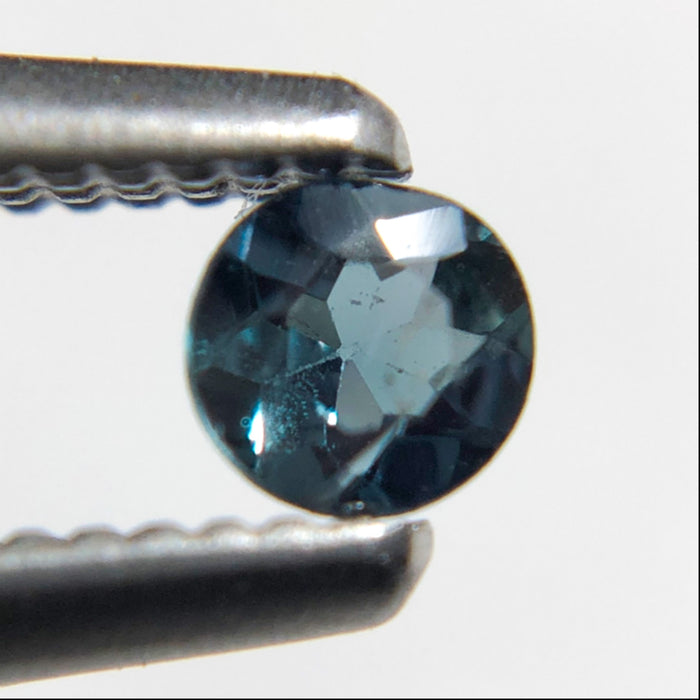 Natural colour change Alexanderite round brilliant cut 0.10 carat - Buy only with custom order