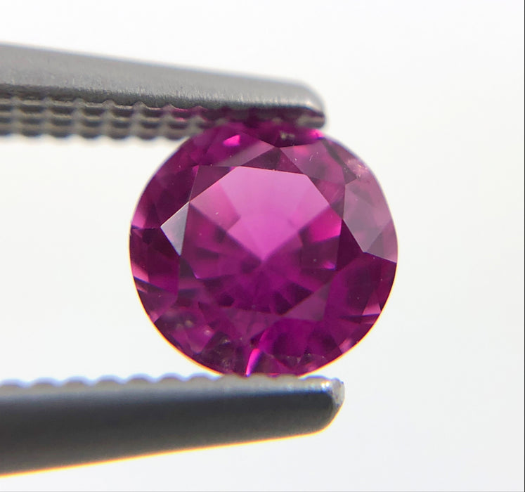Pink Sapphire round cut 4.67x3.10mm 0.57 carats