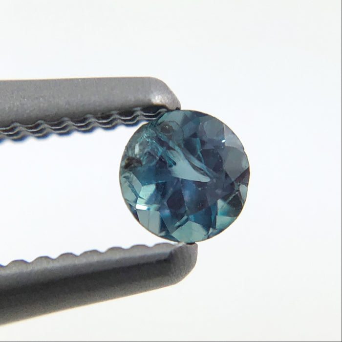 Natural colour change Alexanderite round brilliant cut 0.11 carat - Buy only with custom order