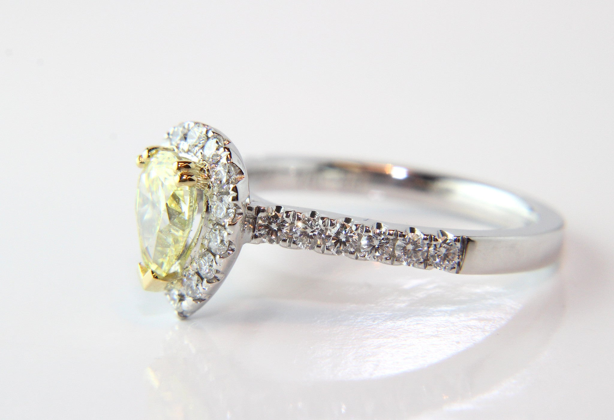engagement wedding gia rings gold wide flawless near oval ring band in yellow watch diamond