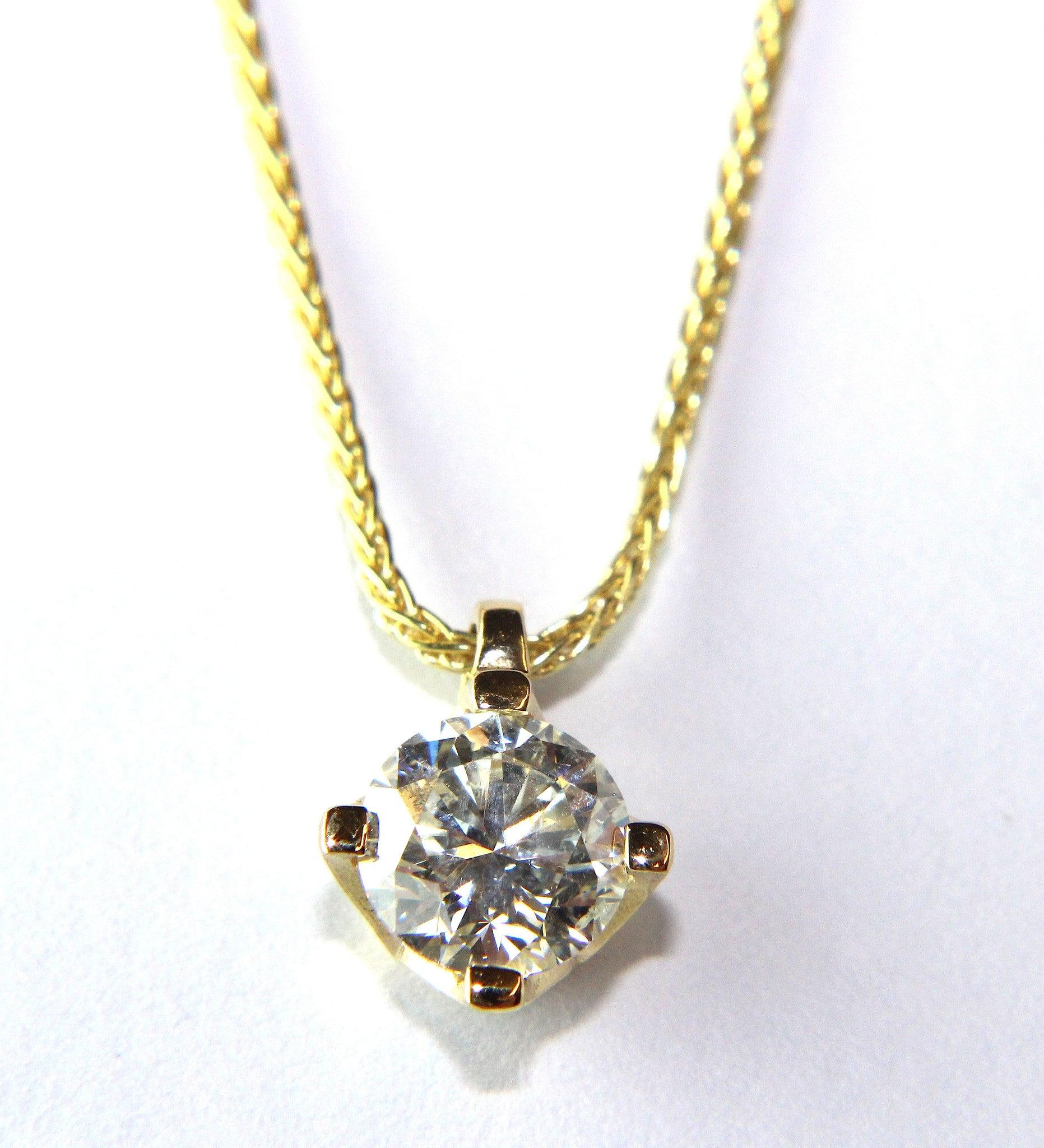 en in gold pendant trilogy gw carat cl diamond white baunat