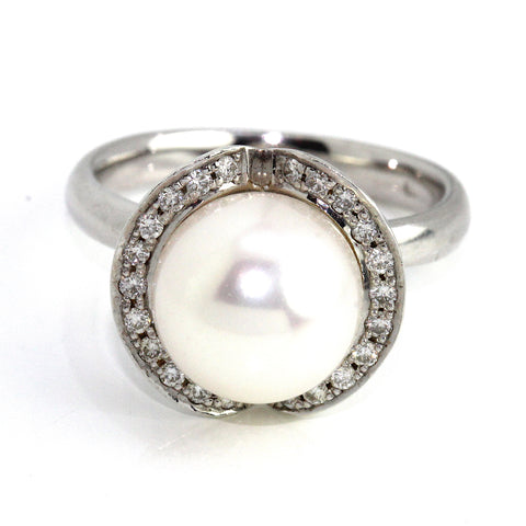 10k Cultured Pearl Diamond Ring