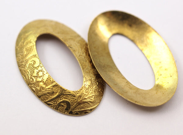 Brass Flower Textured, 10 Raw Brass Flower Textured Oval Connector Findings  (32x21mm)   D103--C021