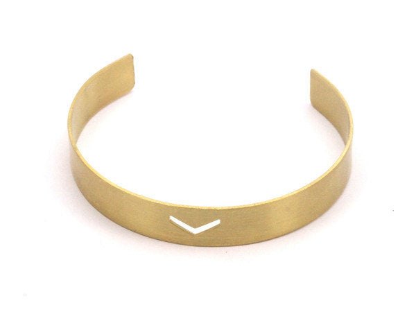 Chevron Bracelet Blank - 3 Raw Brass Cuff Bracelet Blank Bangle  With a Small Chevron (10x145x0.80 mm)  BRC040
