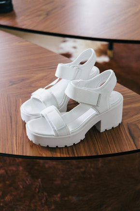 CHUNKY PLATFORM SANDALS IN WHITE Shoes KURE