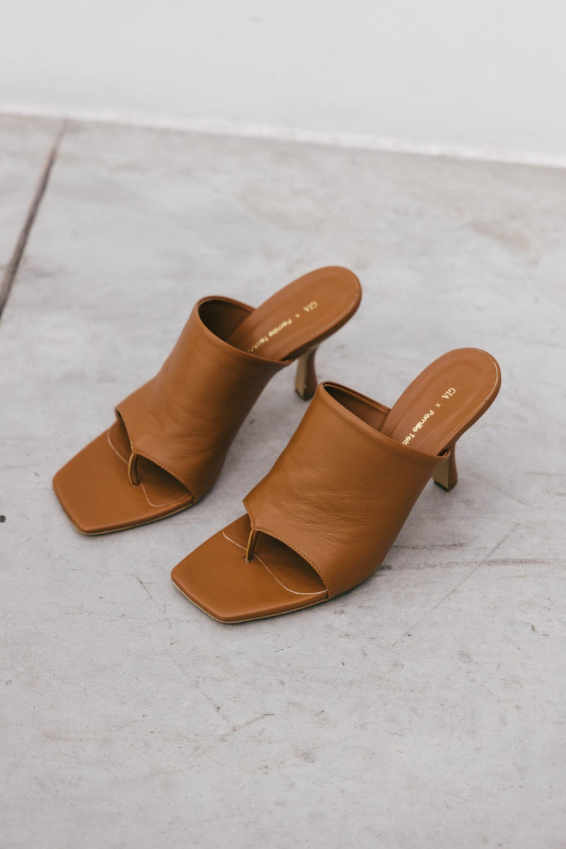 GIA X PERNILLE TEISBAEK STRAPPY SANDALS IN CAMEL Shoes KURE