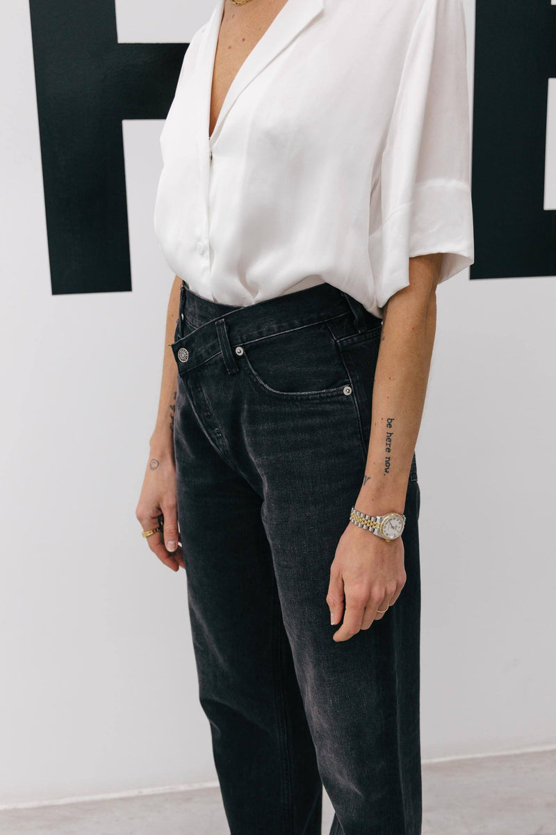 THE ICONIC ASYMETRIC JEANS IN FADED BLACK Jeans KURE