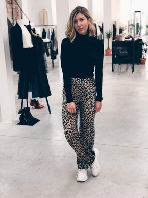 Leo High Waisted Wide Trousers