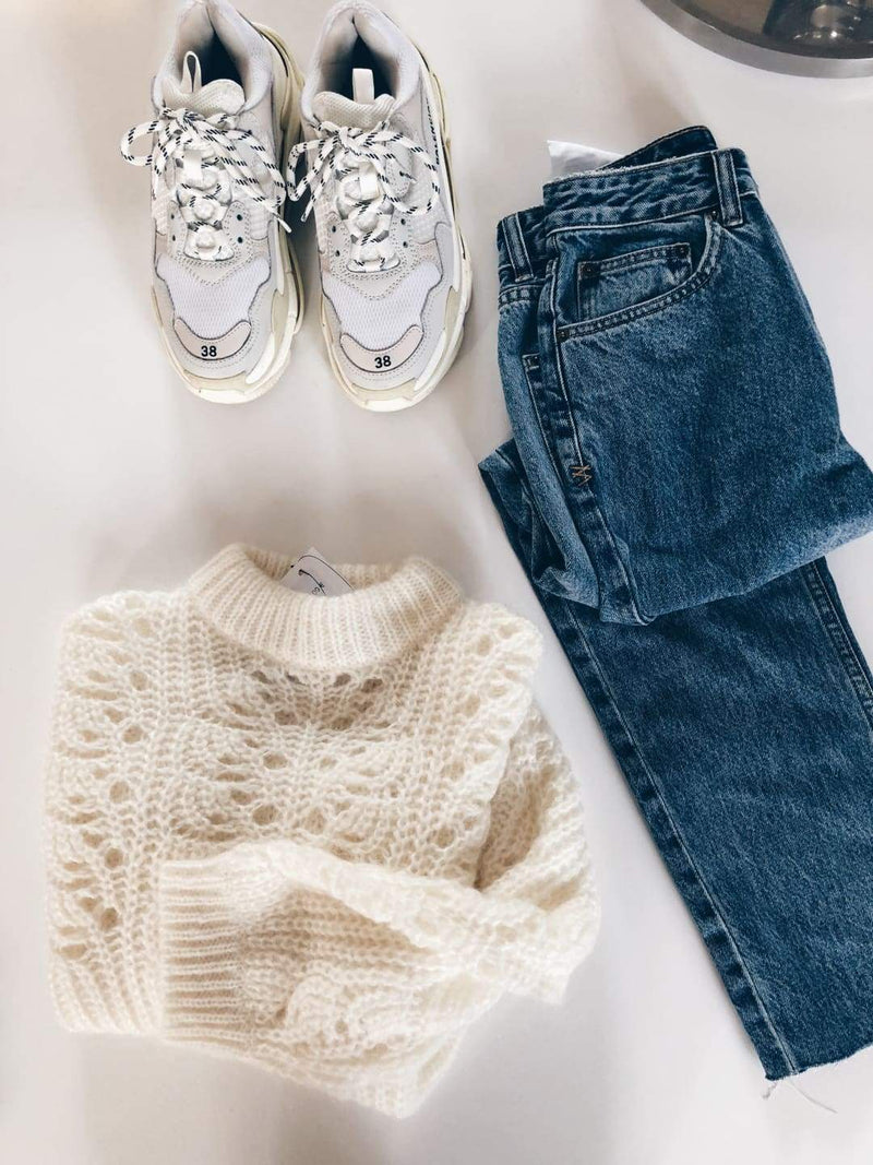Markle Sweater White - Knit