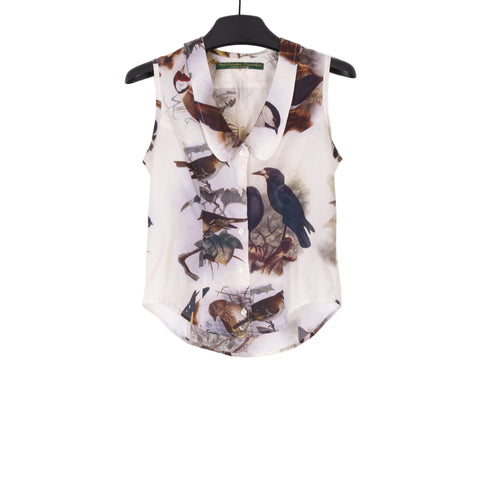 PAUL HARNDEN BIRD PRINT ROUND COLLAR SLEEVELESS BLOUSE IN SUMMER WEIGHT COTTON