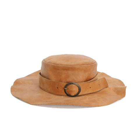 CHEREVICHKIOTVICHKI AW16 NATURAL COLOUR LEATHER HAT WITH BUCKLE