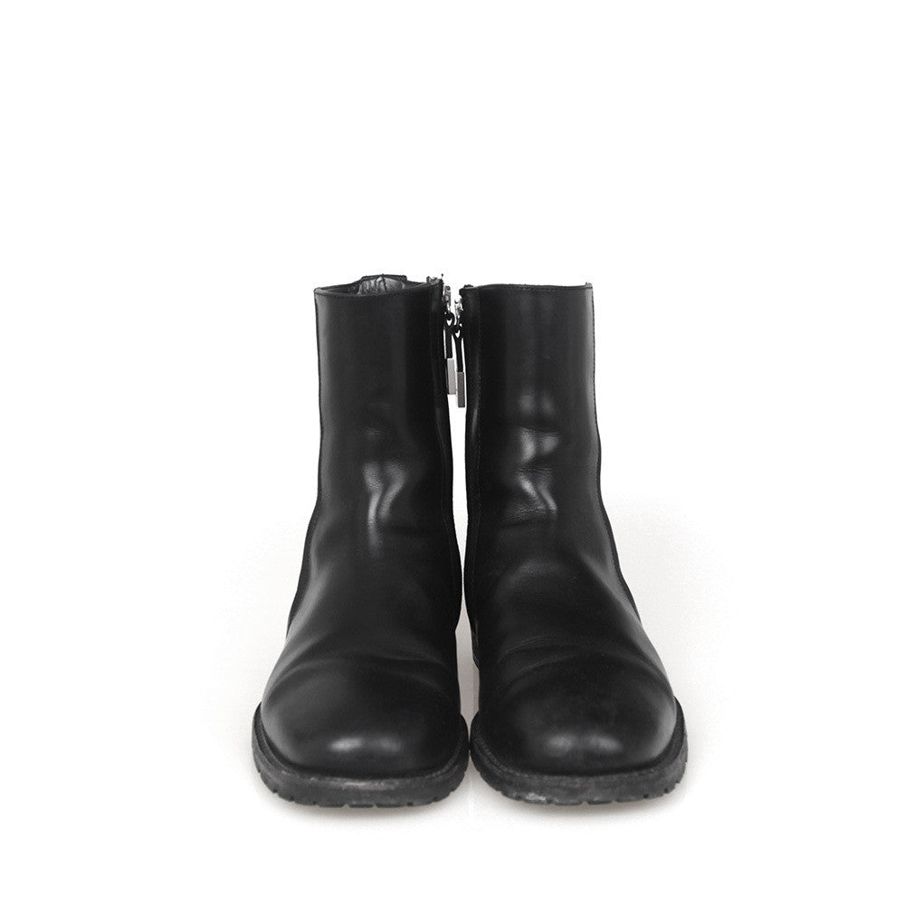 87a1a96fa564 DIOR HOMME SIDE ZIP LEATHER BOOTS – GUYI CONSIGNMENT