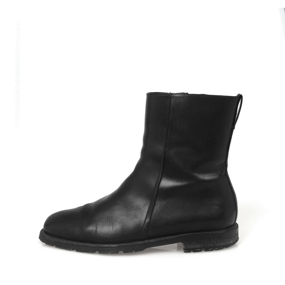 3638d2c4f71 DIOR HOMME SIDE ZIP LEATHER BOOTS – GUYI CONSIGNMENT