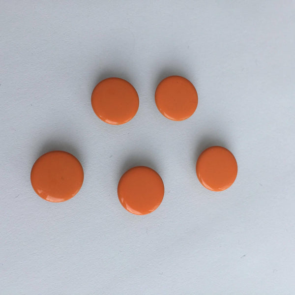 Orange knapp Trådsnella 10 pk