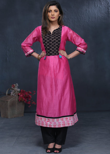Rose pink chanderi kurta with hand block printed bagru patch
