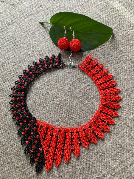 Exclusive red & black combination seed bead choker necklace