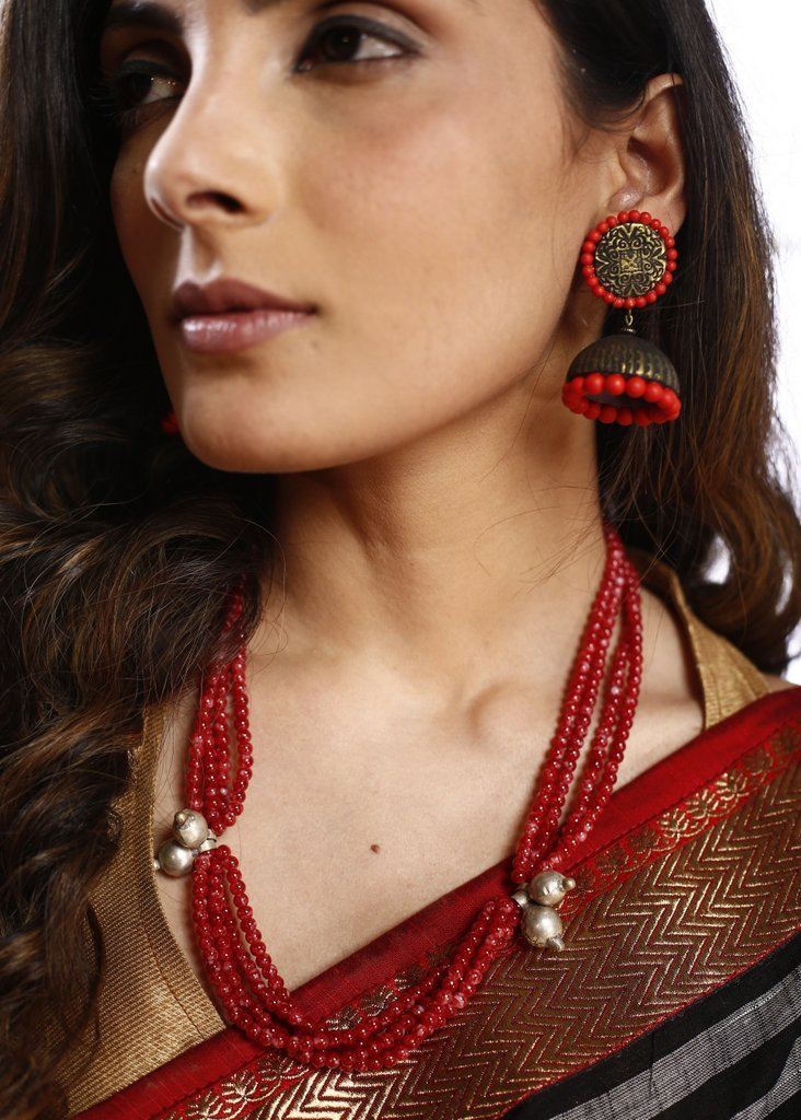 Ruby colored beaded necklace with ghunguru - Sujatra
