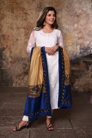 Beige chanderi dupatta with kalamkari print &exclusive printed border