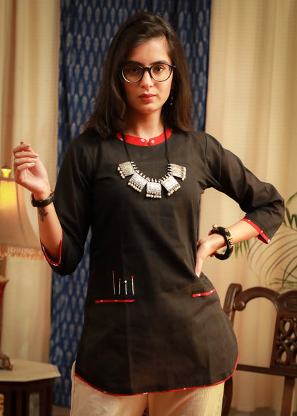 Black classy pure cotton topwear With a tinge of red bandhni