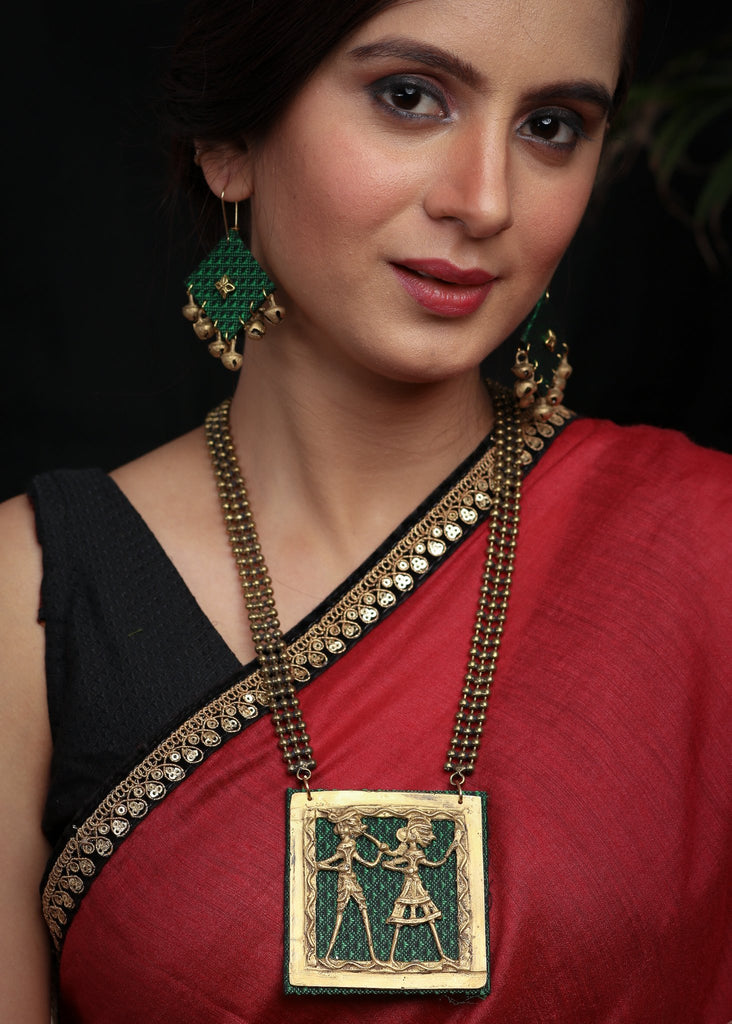 Emerald Green Dokra pendant set in Khun with matching jhumkas