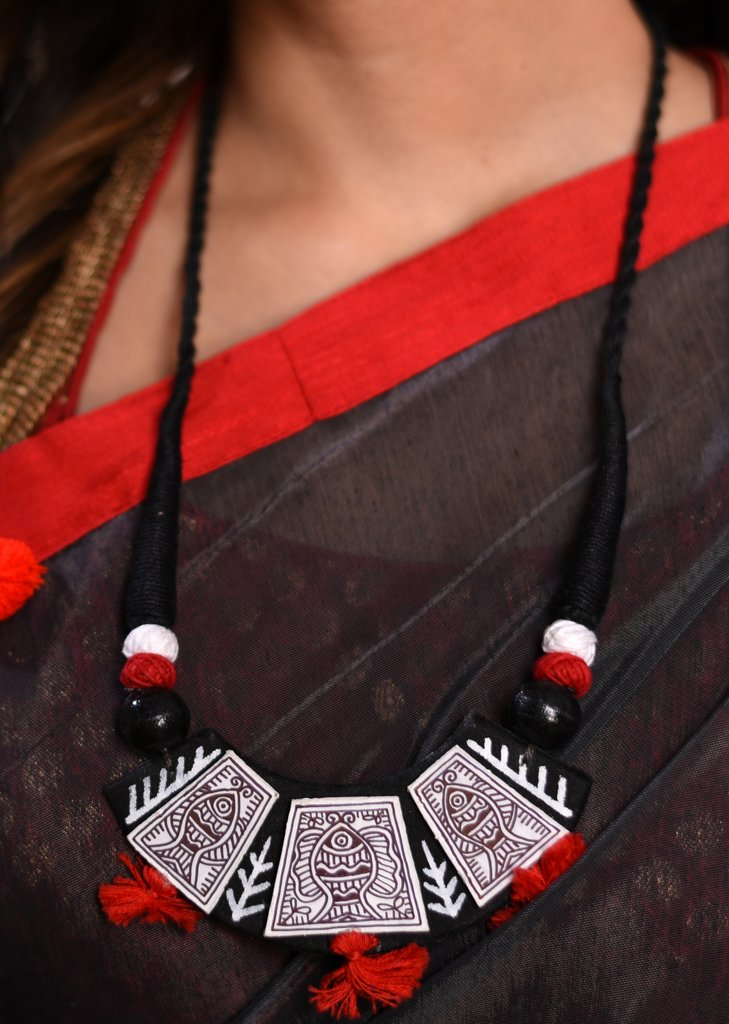 Exclusive hand painted necklace set - Sujatra