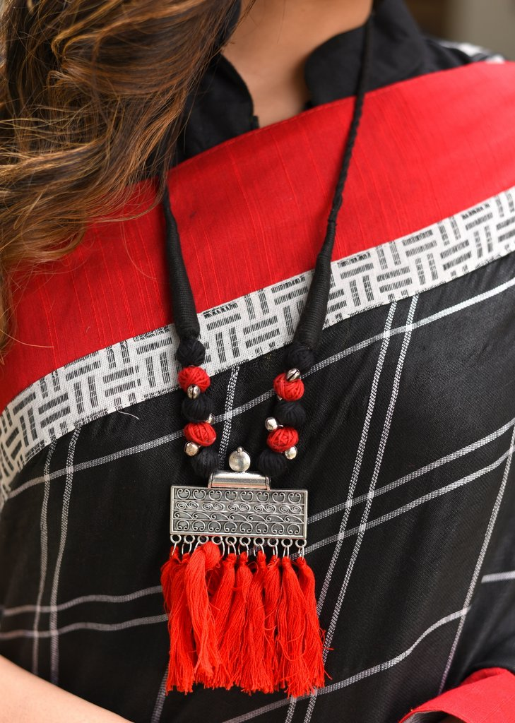 Exclusive necklace with tassels & german silver pendant - Sujatra