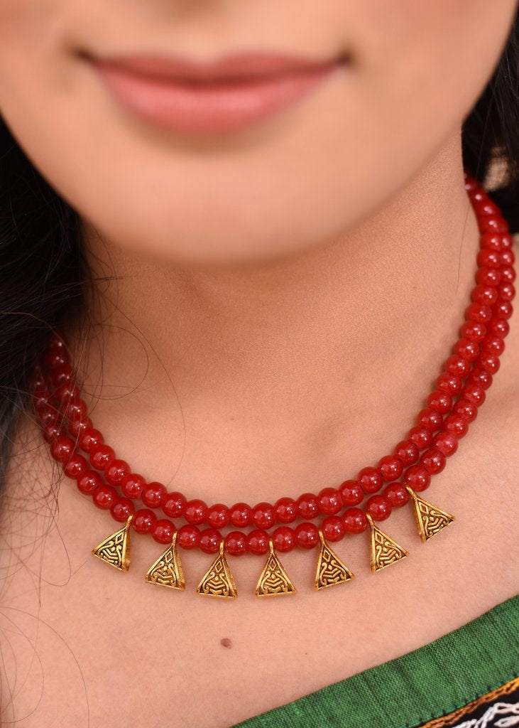 Red glass beaded necklace - Sujatra