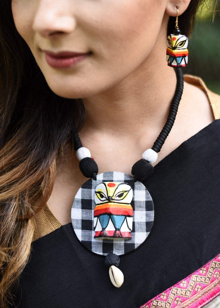 Handcrafted Owl necklace set - Sujatra