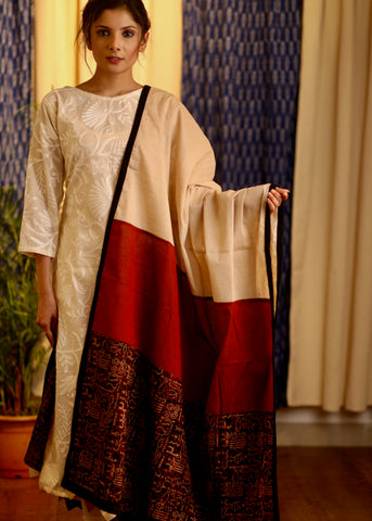 Off White  Cotton Handloom Dupatta with Ajrakh