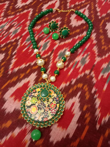 Exclusive green Jaipuri necklace set