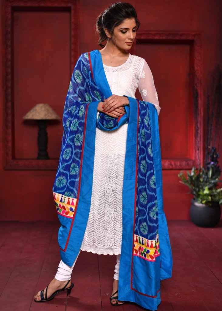 Dupatta - Blue Tie & Dye Dupatta With Embroidered Patches