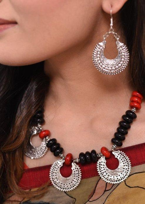 Jewelry - Black & Red Combination Necklace With German Silver Pendant & Earring Set