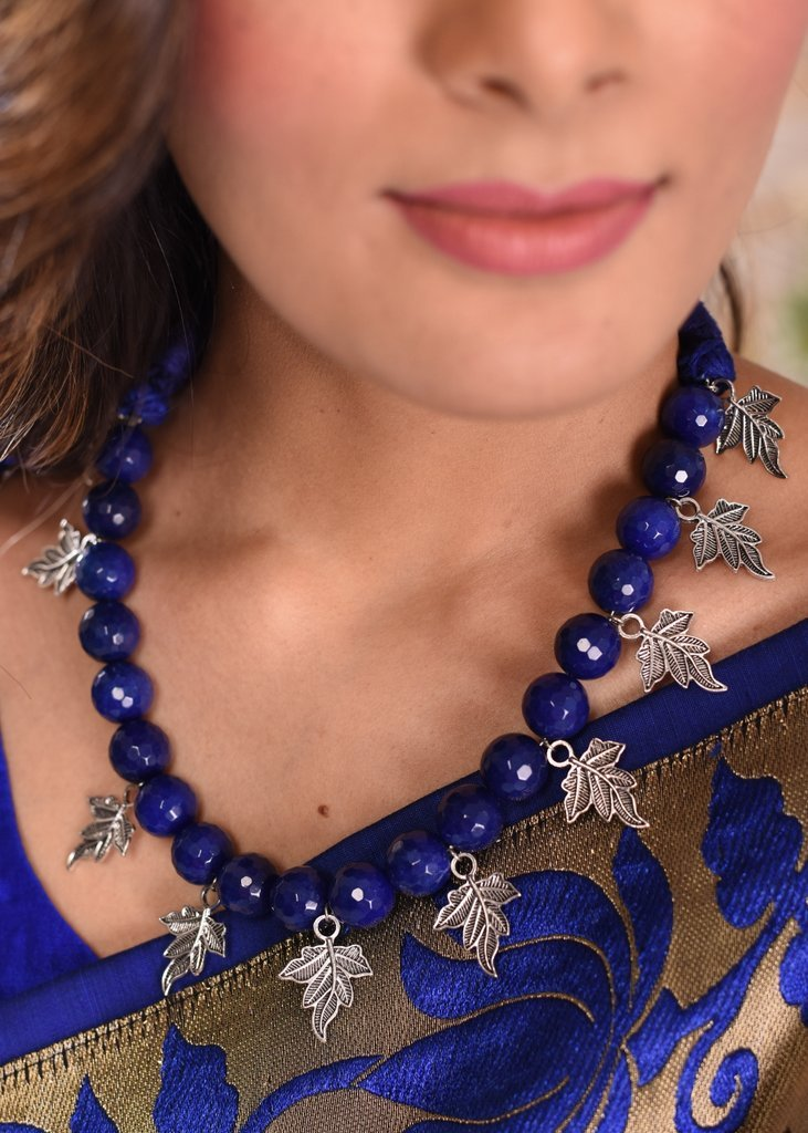 Jewelry - Exclusive Beaded Necklace With Leaf Designs