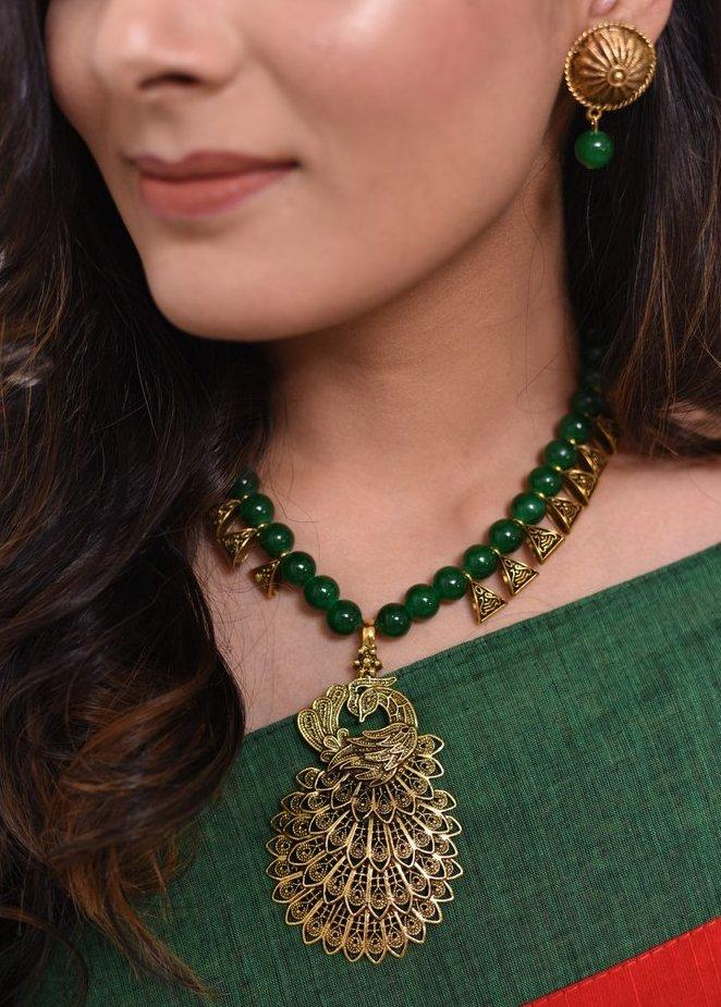 Jewelry - Exclusive Forest Green Beaded Necklace With Peacock Pendant