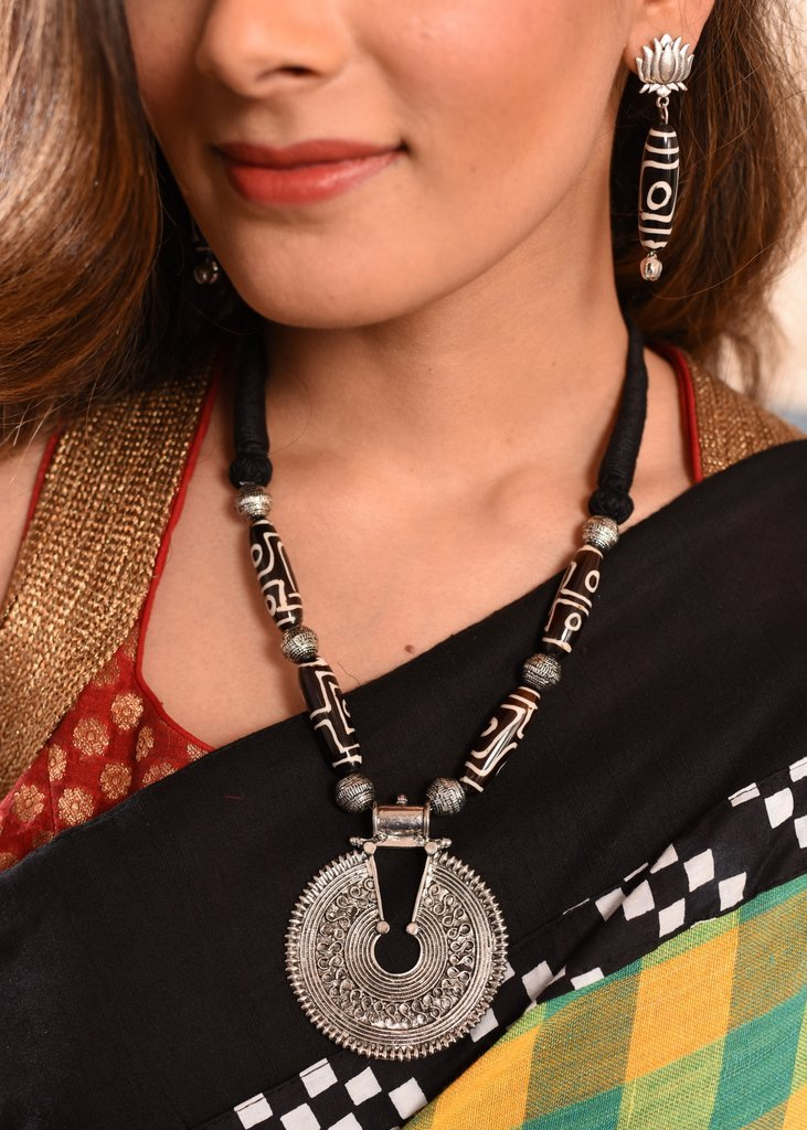 Jewelry - Exclusive German Silver Pendant With Tribal Art Beaded Necklace Set