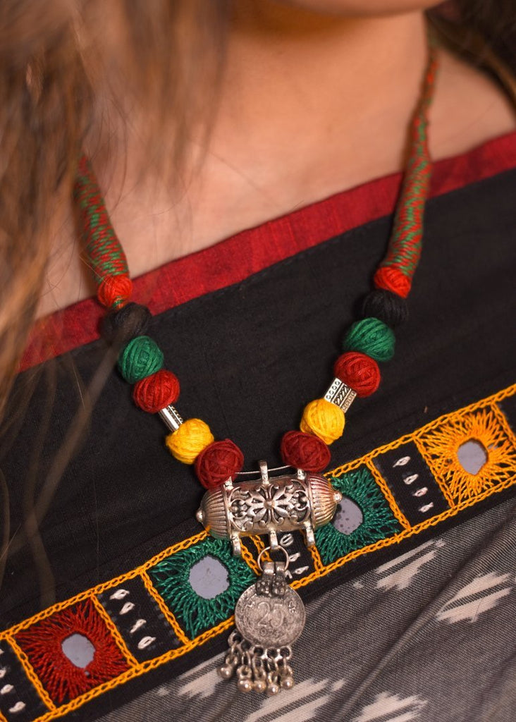 Jewelry - Exclusive Multicoloured Thread Beaded Necklace
