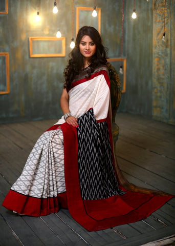 Ikat pallu and pleats with front handloom checks saree