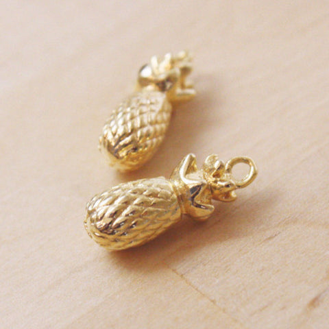 1 | Gold Pineapple Charm | VINTAGE | 20mm