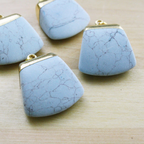 1 | Natural Howlite Pendant | 28x34mm