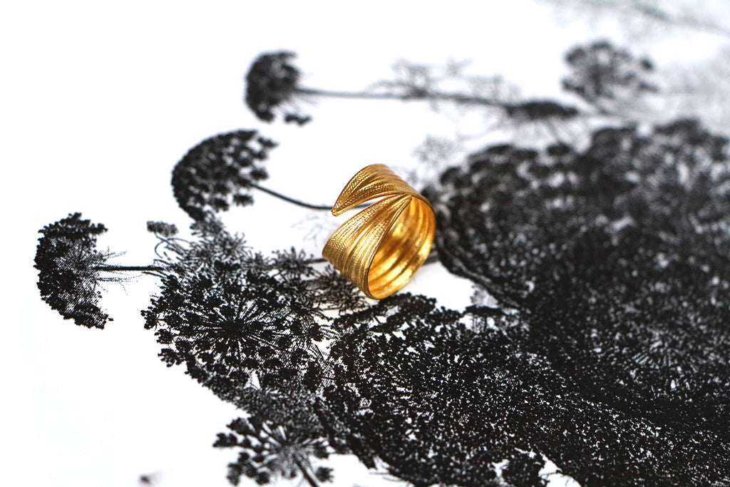 ring, Armelle Aulestia, jewellery, jewelry, fashion, Paris, bijoux, gold tone, doré, fashion jewelry