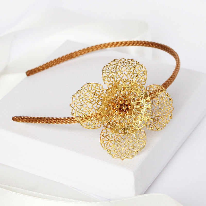 headband; accessoires de tête; head accessories; jewellery; french jewellery designer; armelle aulestia