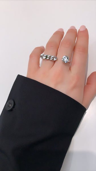Double Finger Ring W/ Crystal & Chain - Rhodium/Crystal