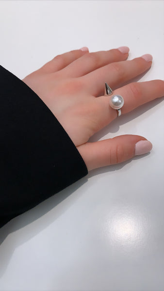 Open Ring W/ Pearl & Spike - Rhodium/White