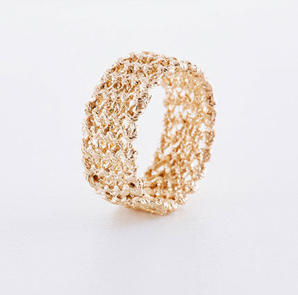 Gestrickter Ring in rosegold