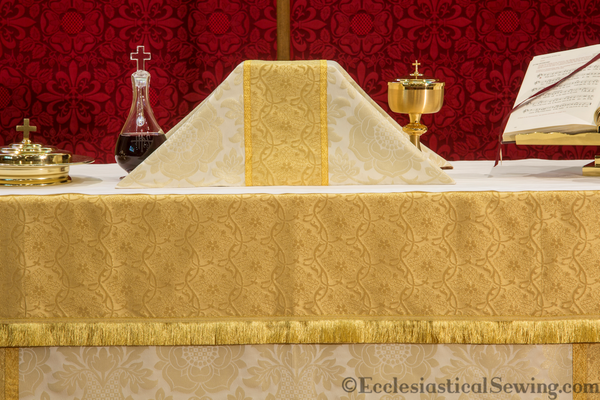 Chalice Veil in the St. Margaret Brocade Ecclesiastical Collection