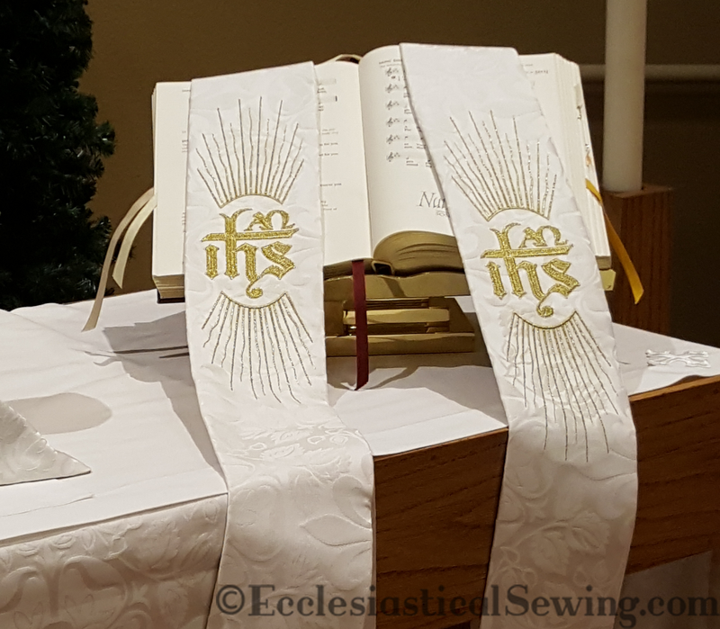 products/clergy-stole-dayspring-ihs-1.png